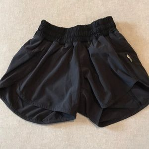 Lululemon Black run times shorts size 2